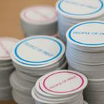 изготовление стикеров наклеек москва